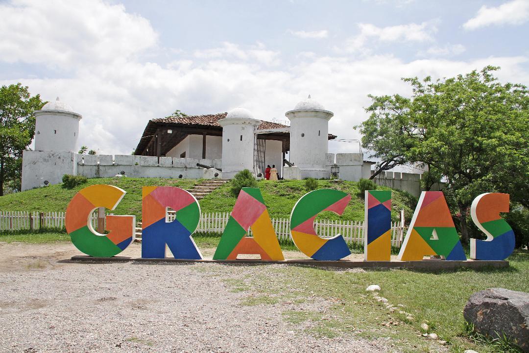 Moenia canta para unas 9,000 personas en Gracias Convoca | www ...