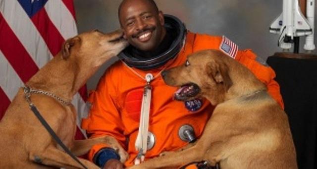 Astronauta-Leland-Melvin-310x165