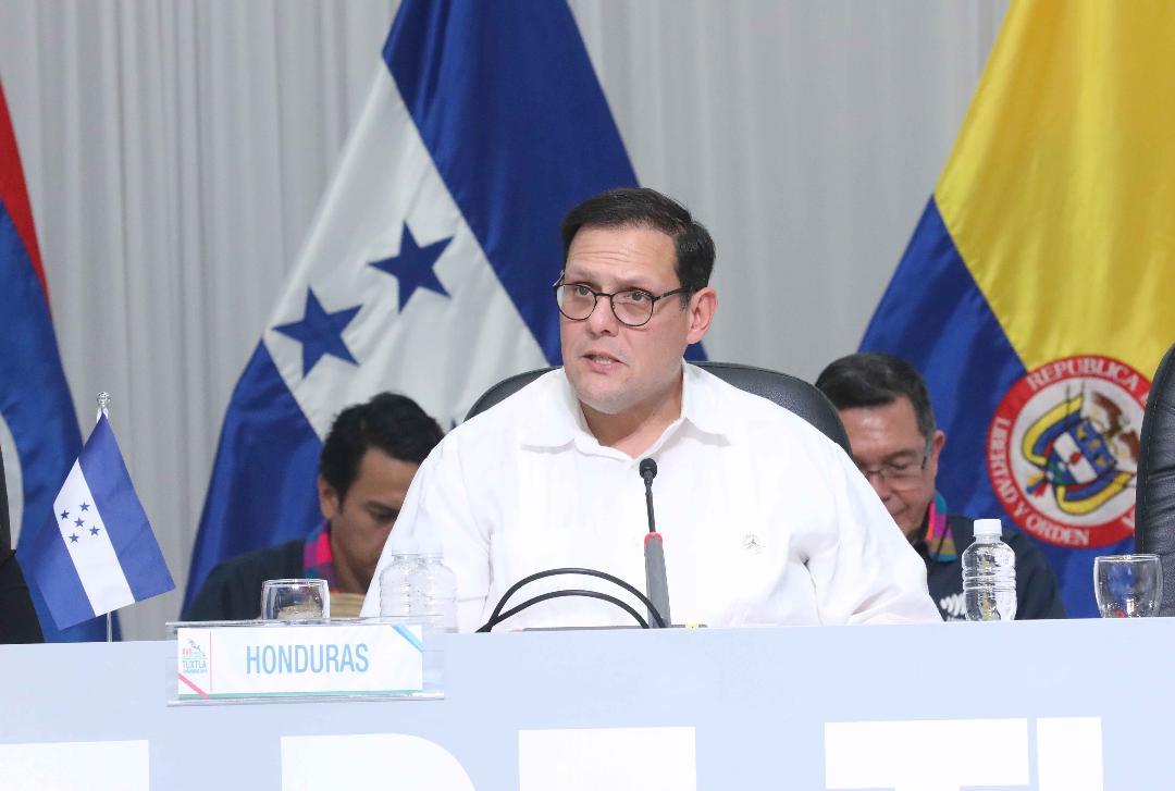 Lisandro Rosales